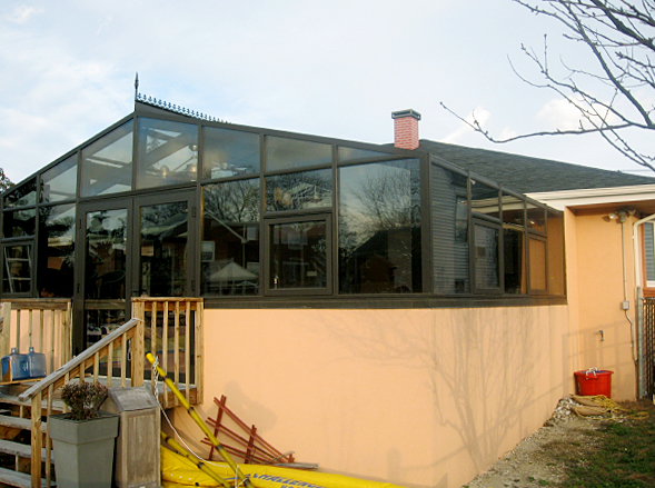 Straight eave double pitch conservatory