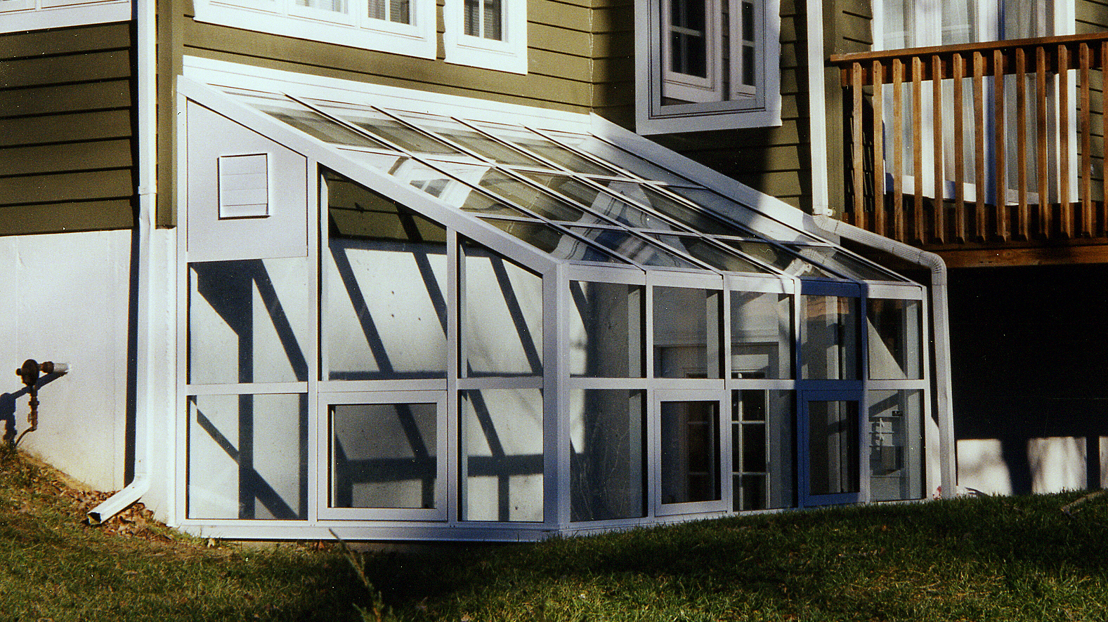 Lean-to sunroom