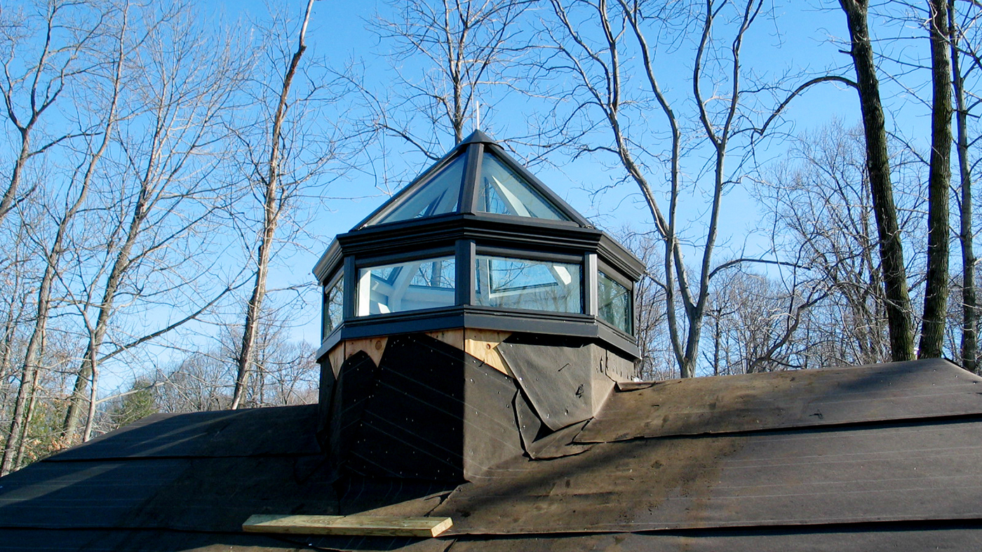 Polygonal skylight with lantern