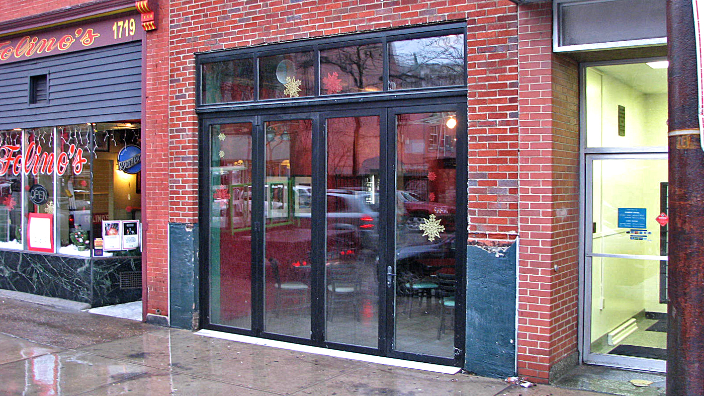 Bifold doors with curtain wall.