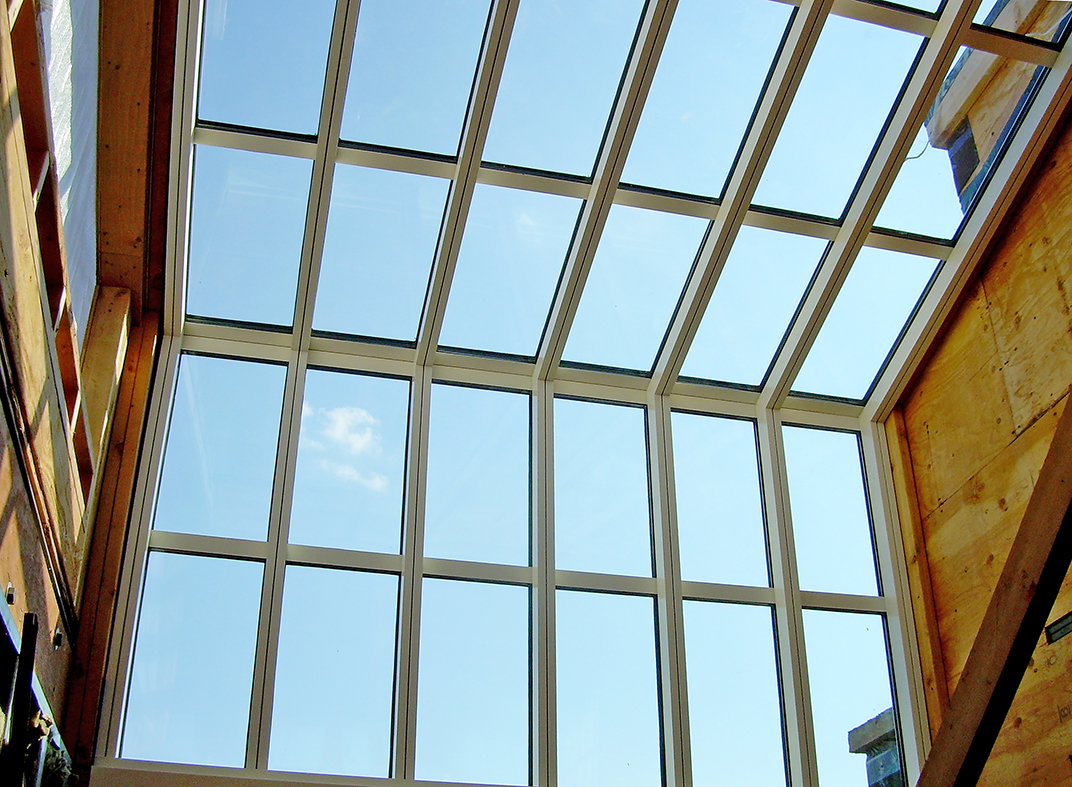 Straight eave lean-to sunroom with no gable ends
