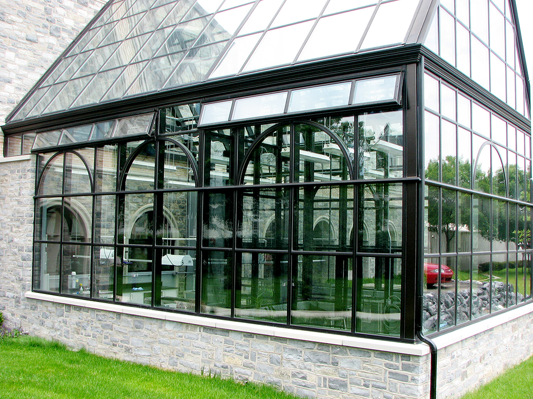 Greenhouse with true divided radius arches