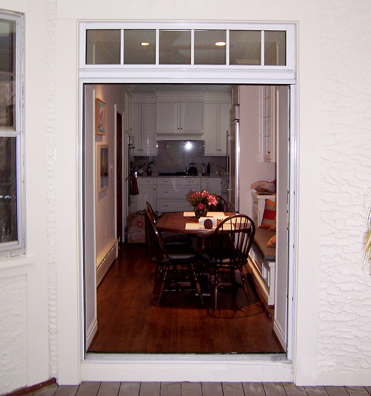 Pocketing sliding glass door