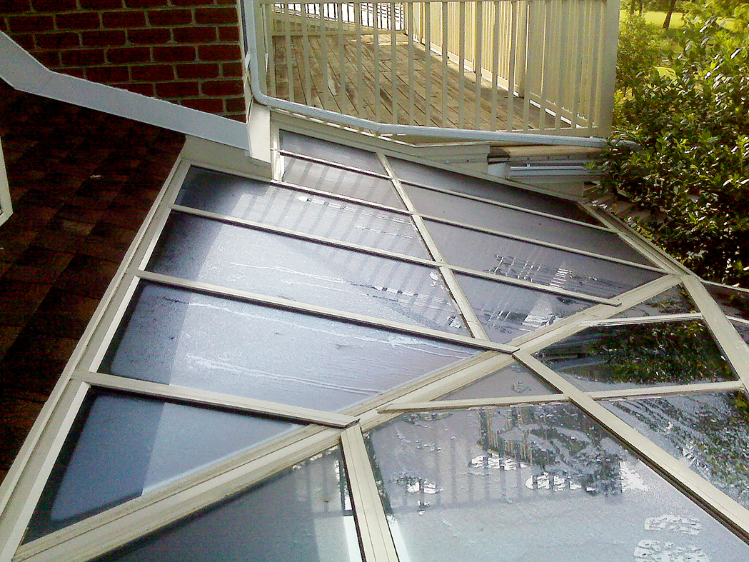Straight eave lean-to bullnose end conservatory