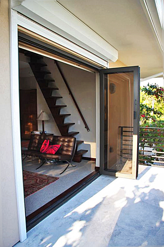 Bifold door/Folding glass wall
