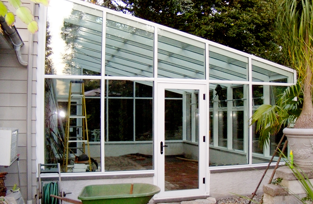 Straight eave lean to greenhouse