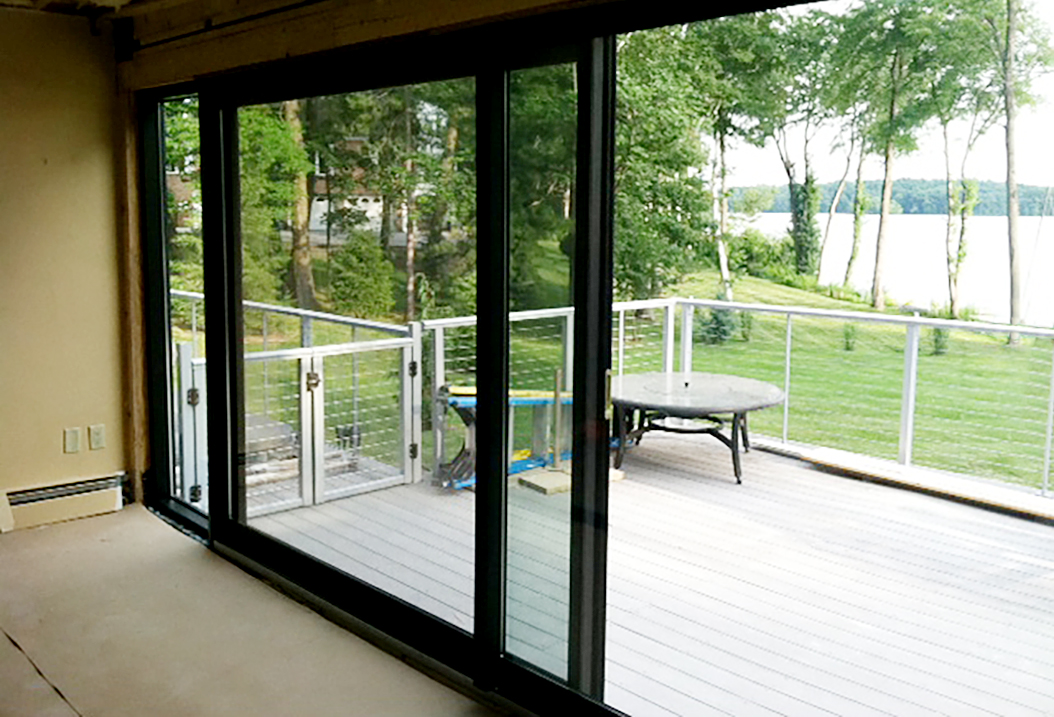 Sliding doors with screen