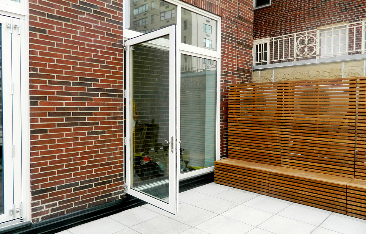 Floating jamb French doors