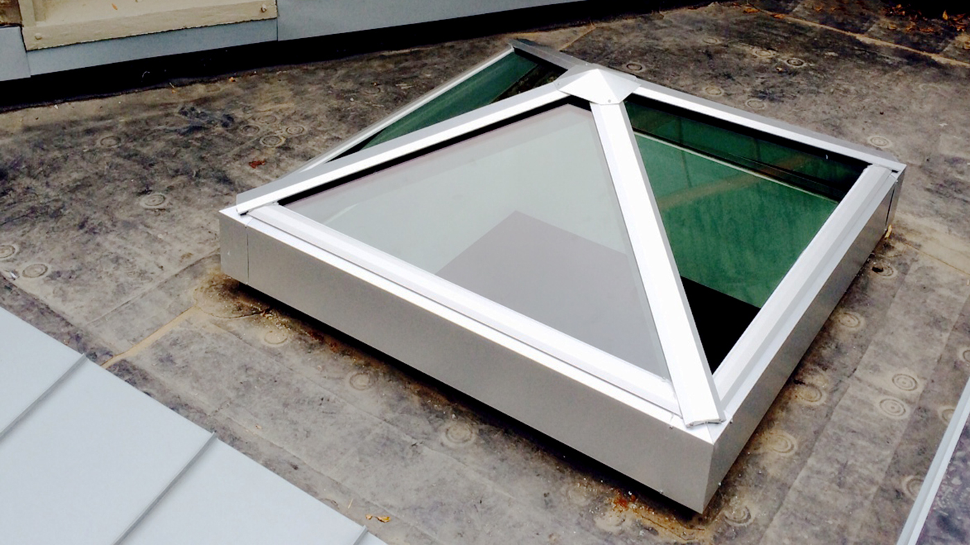 Pyramid skylight
