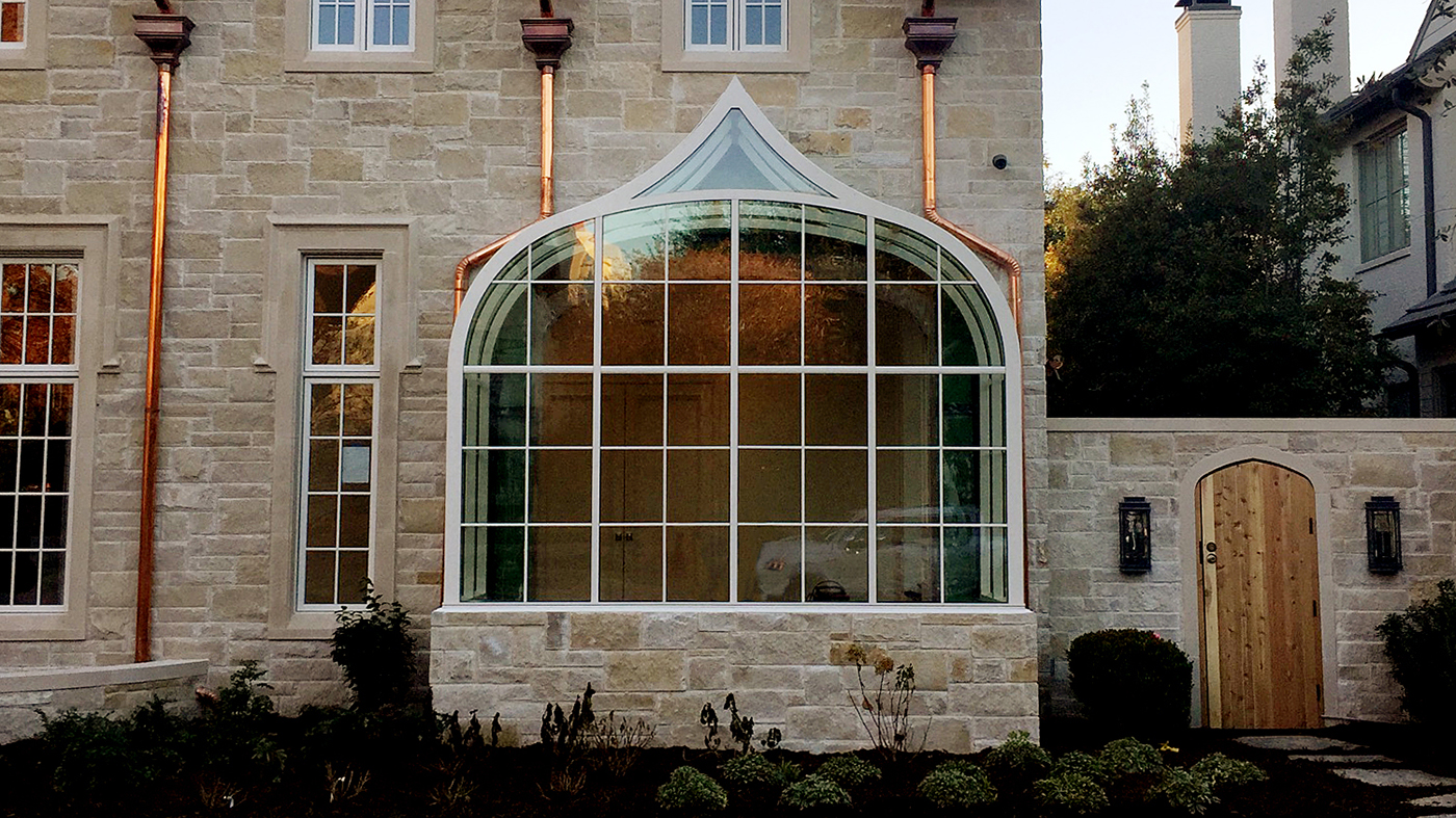 Curved eave double pitch sunroom