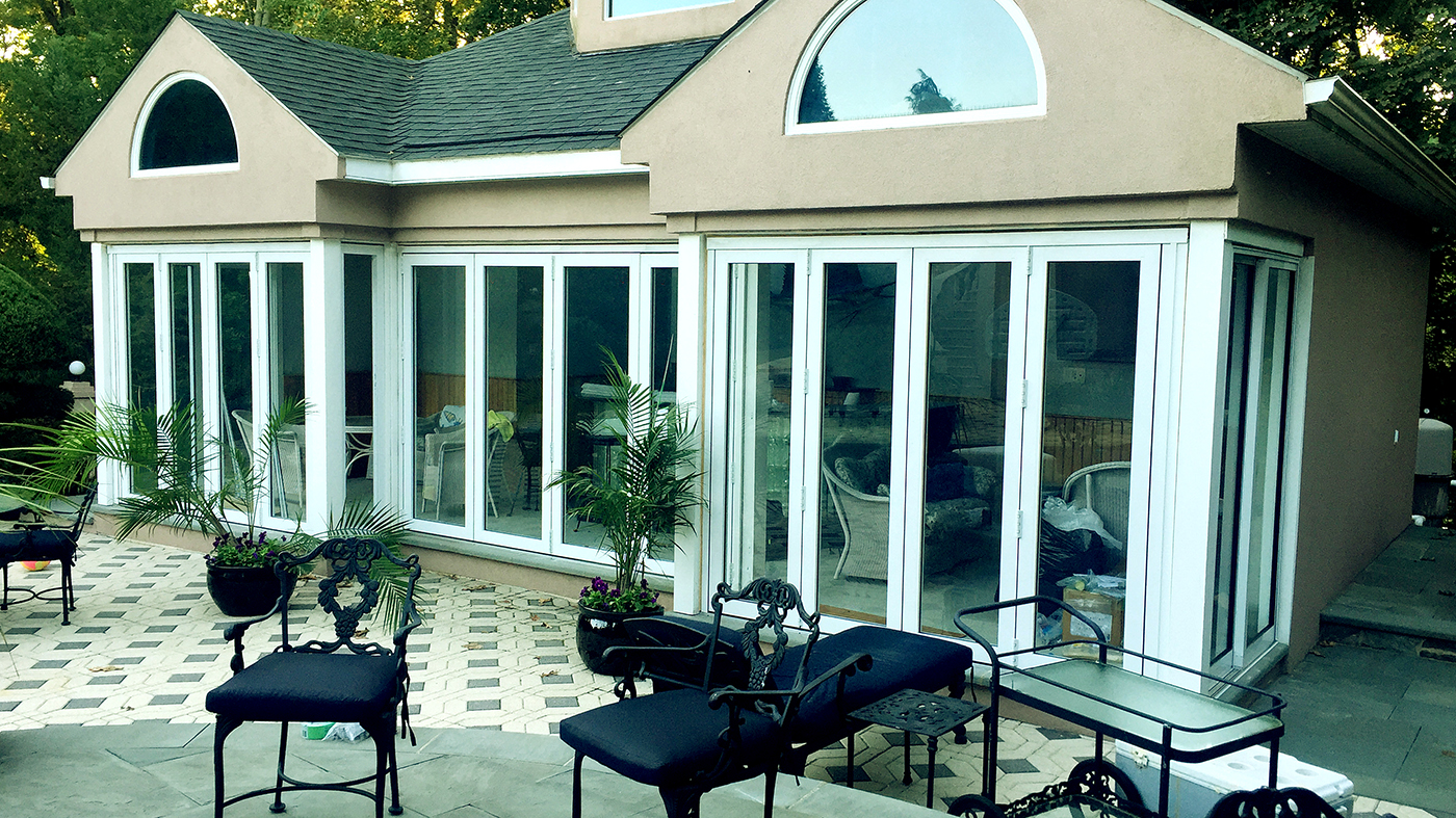 Pool house with bifold and sliding doors