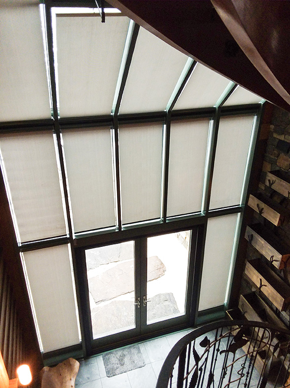 Straight eave lean-to aluminum curtain wall with french door