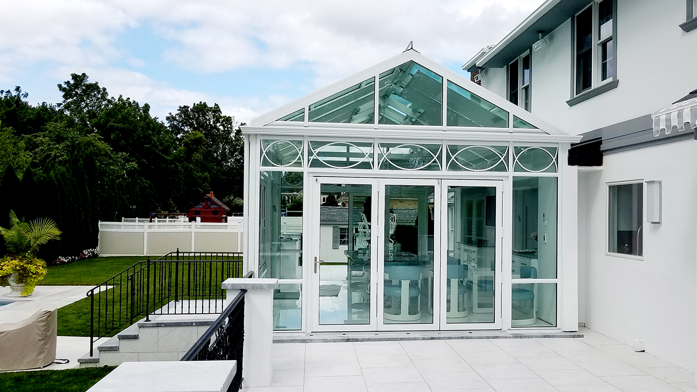 Conservatory with radius grids in transom