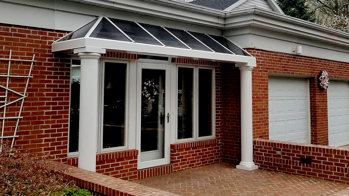 Straight eave lean-to canopy with aluminum columns