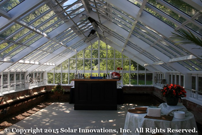 Operable ventilation systems in the greenhouse