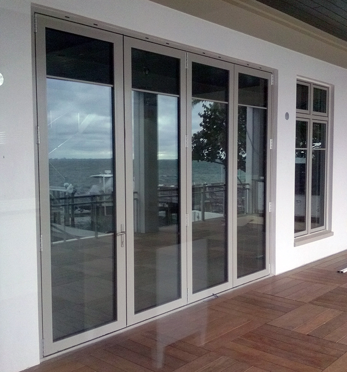 Solar Innovations, Inc. folding glass wall G2 system