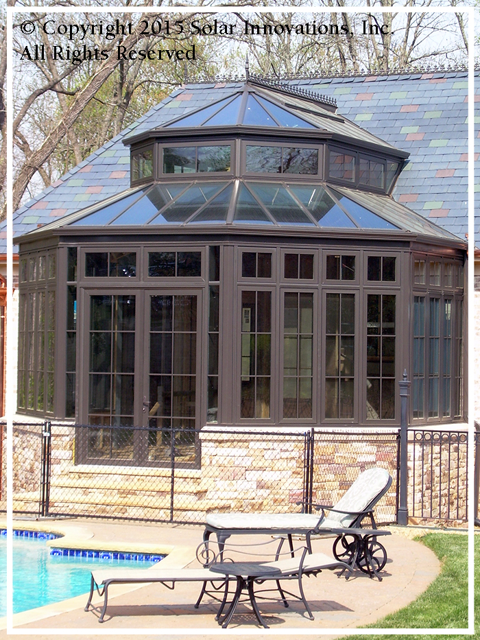 Pool House conservatory as a spa in residential and commercial applications
