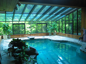 Custom Residential Pool Enclosures with greenhouse walls by Solar Innovations, Inc.