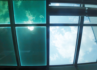Thermochromic Dynamic Glazing