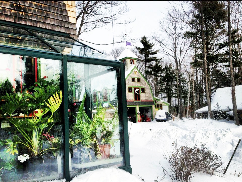 selecting the right greenhouse heating system